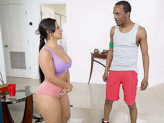 Rose monroe fucks yoga teacher