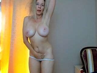 Sexually Attractive Full-Breasted Mommy Plays Involving Tip Sensitive Vibrator