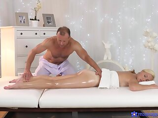 Massage makes hot and gorgeous wife to fuck far the masseur